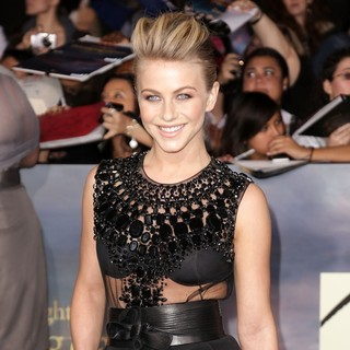 Julianne Hough in The Premiere of The Twilight Saga's Breaking Dawn Part II - julianne-hough-premiere-breaking-dawn-2-04