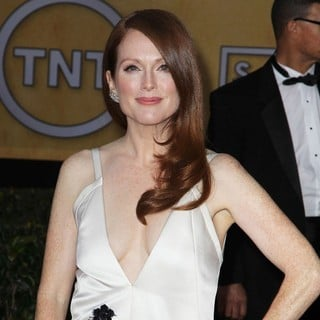 Julianne Moore in 19th Annual Screen Actors Guild Awards - Arrivals