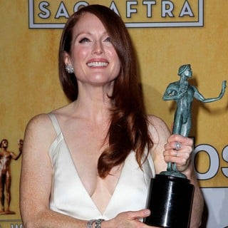 Julianne Moore in 19th Annual Screen Actors Guild Awards - Press Room