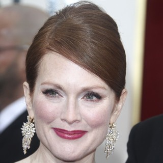 Julianne Moore in 70th Annual Golden Globe Awards - Arrivals