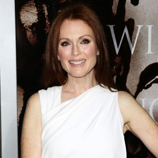 Julianne Moore in Premiere of Metro-Goldwyn-Mayer Pictures' and Screen Gems' Carrie