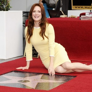 Julianne Moore in Julianne Moore Honored with Star at The Hollywood Walk of Fame