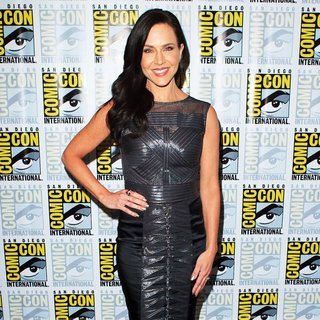 Julie Benz in San Diego Comic-Con International 2014 - Defiance - Press Room