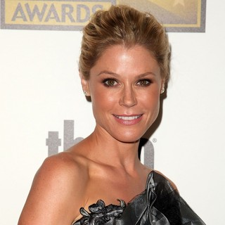 Julie Bowen in 2012 Critics' Choice TV Awards - Arrivals