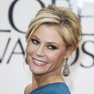 Julie Bowen in 70th Annual Golden Globe Awards - Arrivals