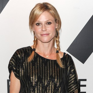 Julie Bowen in All in for The 99 Percent Art, Music and Cultural Activism Benifit - Arrivals