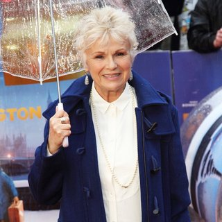 Julie Walters in World Premiere of Paddington
