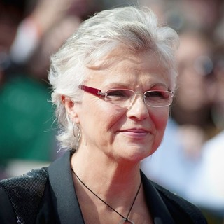Julie Walters in Harry Potter and the Deathly Hallows Part II World Film Premiere - Arrivals
