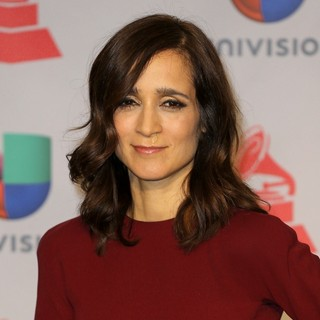 Julieta Venegas in The Latin Grammys 2013