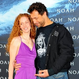 Sina-Valeska Jung, Evil Jared in German Premiere of Noah
