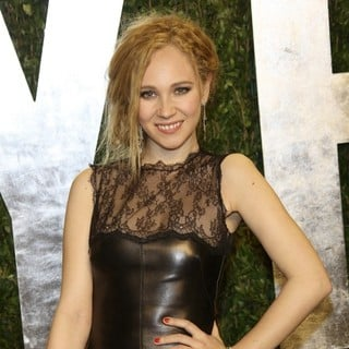 Juno Temple in 2013 Vanity Fair Oscar Party - Arrivals