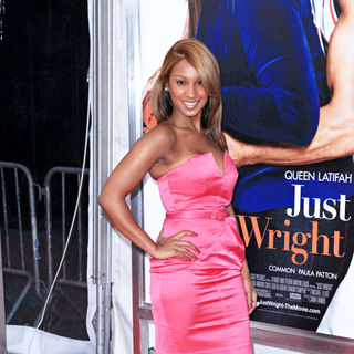 Olivia in The Premiere of 'Just Wright'