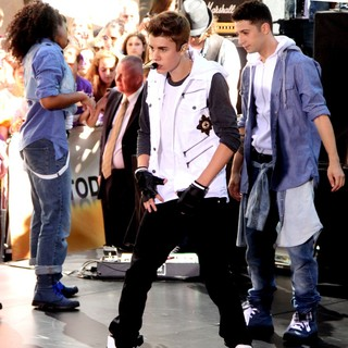 Justin Bieber - Justin Bieber Performs Live as Part of The Today' Show's Concert Series