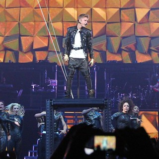 Justin Bieber - Justin Bieber Kicks Off The Start of His Believe Tour