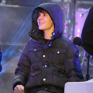 Justin Bieber - The Times Square New Year's Eve Countdown