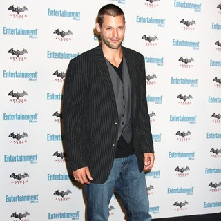 Justin Bruening in Comic Con 2011 Day 3 - Entertainment Weekly Party - Arrivals