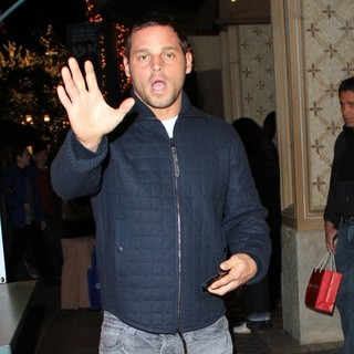 Justin Chambers Christmas Shopping in Hollywood