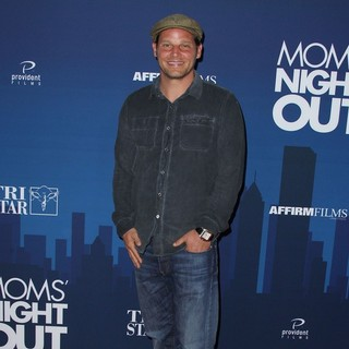 Justin Chambers in Premiere of Moms' Night Out