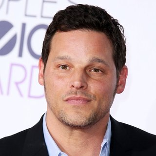 Justin Chambers in People's Choice Awards 2016 - Arrivals