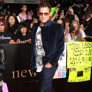 Justin Chambers in The Los Angeles Premiere of The Twilight Saga's New Moon