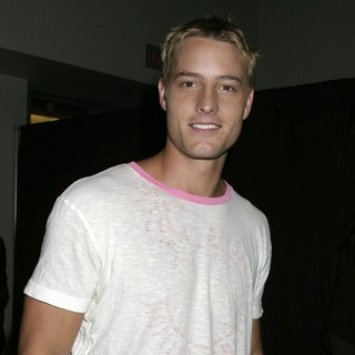 Justin Hartley in ComicCon Convention 2007 - Day 2