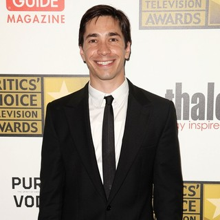 Justin Long in 2012 Critics' Choice TV Awards - Arrivals