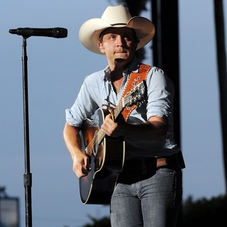 Justin Moore in Justin Moore Performs During The Flatts Fest Tour