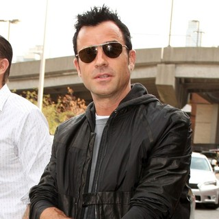 Justin Theroux in Mercedes-Benz New York Fashion Week Spring-Summer 2013 - Alexander Wang - Celebrity Sightings