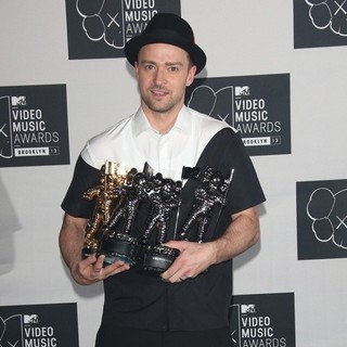 Justin Timberlake in 2013 MTV Video Music Awards - Press Room