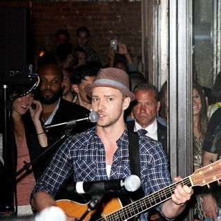 Justin Timberlake in Justin Timberlake Performing with His New Band FreeSol