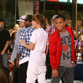 Justin Bieber - Justin Bieber Performs on NBC's 'Today' Show Toyota Concert Series