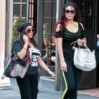 Snooki, JWoww in Snooki and JWoww Stroll Around Jersey City with Their Dogs While Filming Their Reality Show