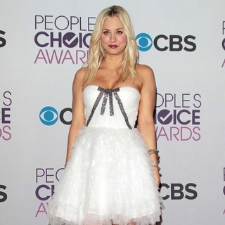 Kaley Cuoco in People's Choice Awards 2013 - Press Room