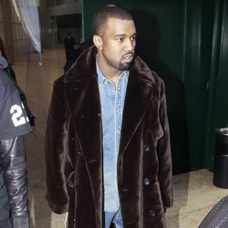 Kanye West in Paris Fashion Week - Autumn-Winter 2013 - Celine - Arrivals - kanye-west-paris-fashion-week-autumn-winter-2013-03
