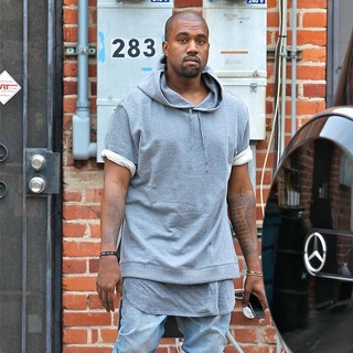 Kanye West - Kanye West Seen Shopping for Furniture