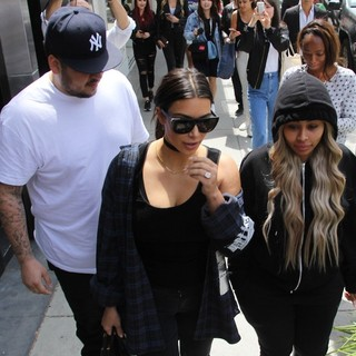 Kim Kardashian, Rob Kardashian and Blac Chyna Leaving Nate n Al's