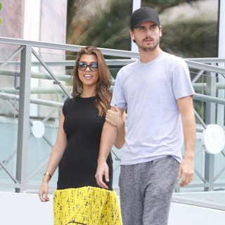 Kourtney Kardashian, Scott Disick in Kourtney Kardashian and Scott Disick Are Spotted Outside Their Hotel