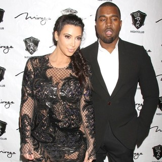 Kanye West in 1 Oak Nightclub New Year's Eve Party - kardashian-west-1-oak-nightclub-04