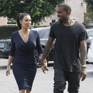 Kim Kardashian and Kanye West Head Out to Lunch - kardashian-west-out-to-lunch-02
