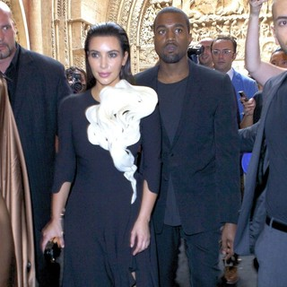 Kim Kardashian, Kanye West in Paris Fashion Week Fall-Winter 2013 - Stephane Rolland - Inside