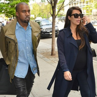 Kim Kardashian and Kanye West Shopping in Soho - kardashian-west-shopping-in-soho-01