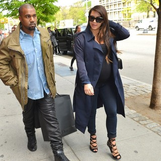 Kanye West, Kim Kardashian in Kim Kardashian and Kanye West Shopping in Soho