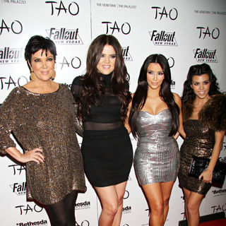 Kris Jenner, Khloe Kardashian, Kim Kardashian, Kourtney Kardashian in Kim Kardashian Celebrates Her 30th Birthday with Family and Friends