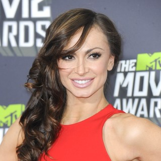 Karina Smirnoff in 2013 MTV Movie Awards - Arrivals - karina-smirnoff-2013-mtv-movie-awards-01