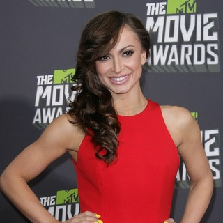 Karina Smirnoff in 2013 MTV Movie Awards - Arrivals - karina-smirnoff-2013-mtv-movie-awards-02