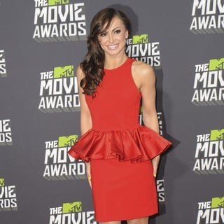Karina Smirnoff in 2013 MTV Movie Awards - Arrivals - karina-smirnoff-2013-mtv-movie-awards-03