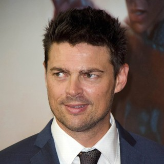 Karl Urban in The Sydney Premiere of Star Trek Into Darkness - Arrivals