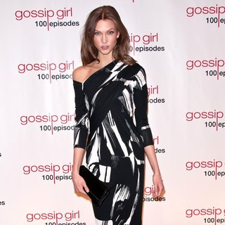Karlie Kloss in Gossip Girl Celebrates 100 Episodes