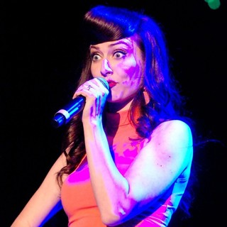 Amy Heidemann, Karmin in B96 Sobe Lifewater Jingle Bash