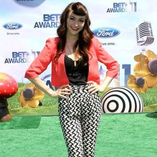 Karmin in BET Awards 2011